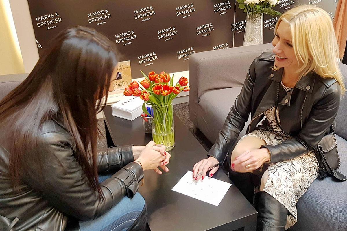 stylistka Klára Klempířová na Fit & Style eventu v prodejně M&S